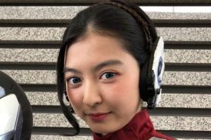 成田愛純が演じる仮面ライダーゼロワンのシェスタ