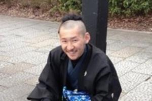 市川刺身は学生時代から芸人デビュー前まで弁髪だった