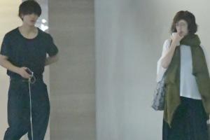 松坂桃李と高岡早紀は彼女以上の関係か!