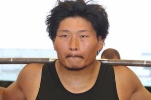 トレーニング中も表情を崩さないラグビーの稲垣啓太