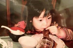 デコウトミリの幼少期の写真