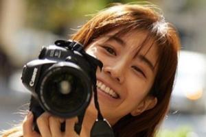 写真集の撮影でバルセロナに行った時の田中みな実:左右の目の大きさが違う