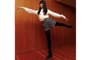 趣里は4歳からバレエを始め、プロのバレリーナを目指していた。