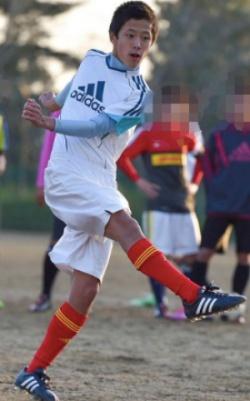高校時代にサッカーに打ち込む河野純喜
