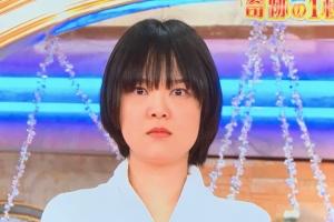 ロンハー奇跡の一枚2021、蛙亭・岩倉美里のスタジオでの表情