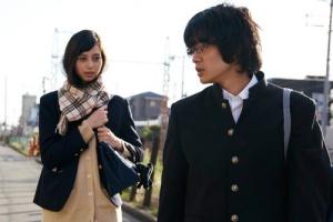 池松壮亮と中条あやみは映画「セトウツミ」で共演